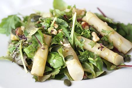 Salat med Skorzonerrødder