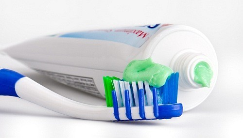 flour i tandpaste