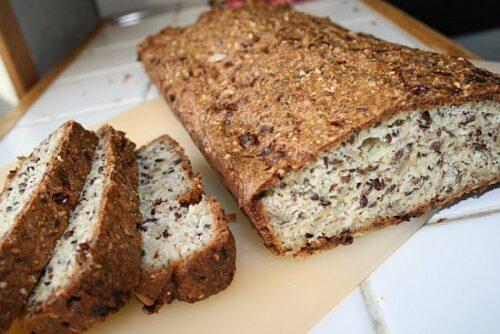 Færdigbagt hjemmelavet glutenfrit brød