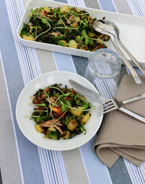 Salat med roedloeg og svampe