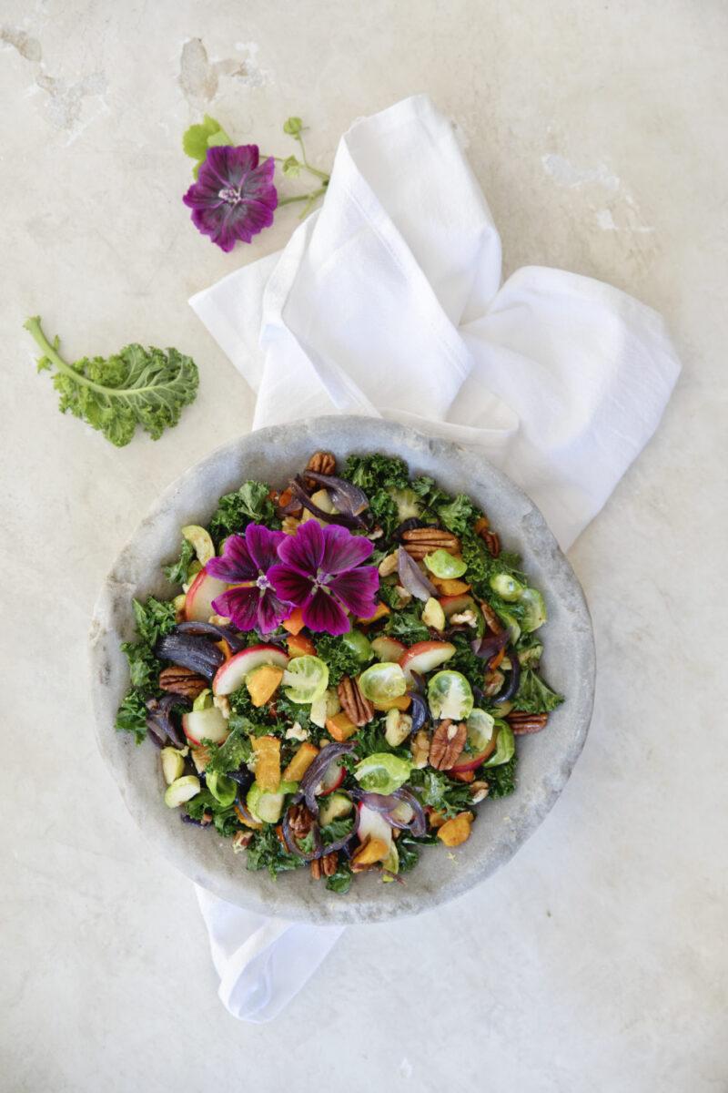 Salat med kaal og aebler