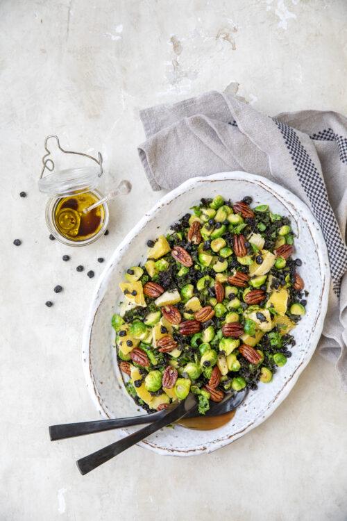 Opskrift paa salat med rosenkaal og pekannoedder