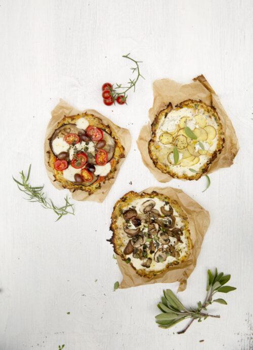 Smaa groensagspizzaer - opskrift paa groenne mini pizzaer